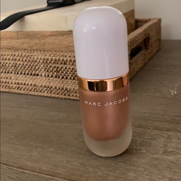 Marc Jacobs Other - Marc Jacobs coconut gel highlight